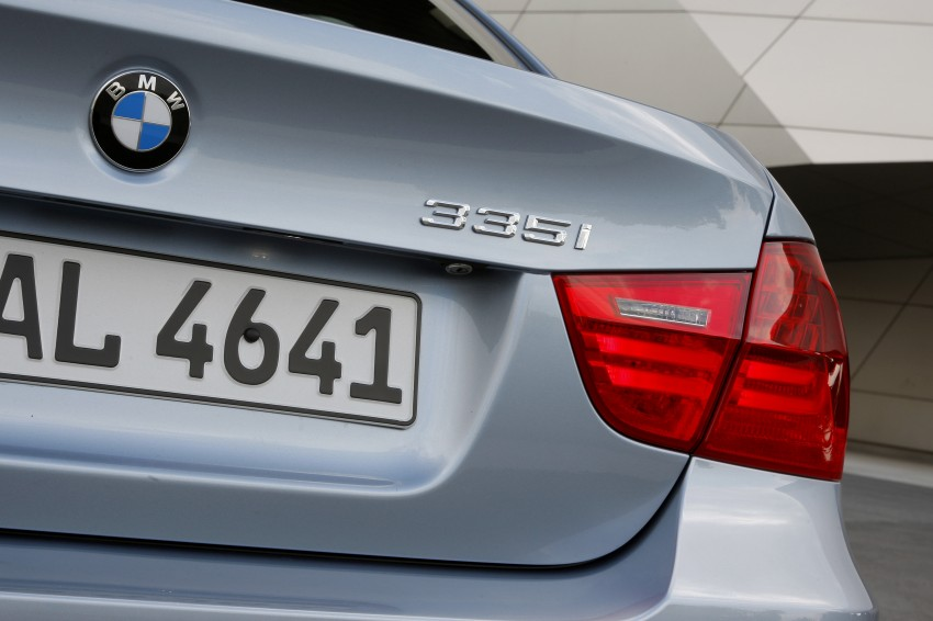 2009 BMW 335i and 330d LCI Review Image #273634