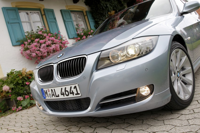 2009 BMW 335i and 330d LCI Review Image #273631