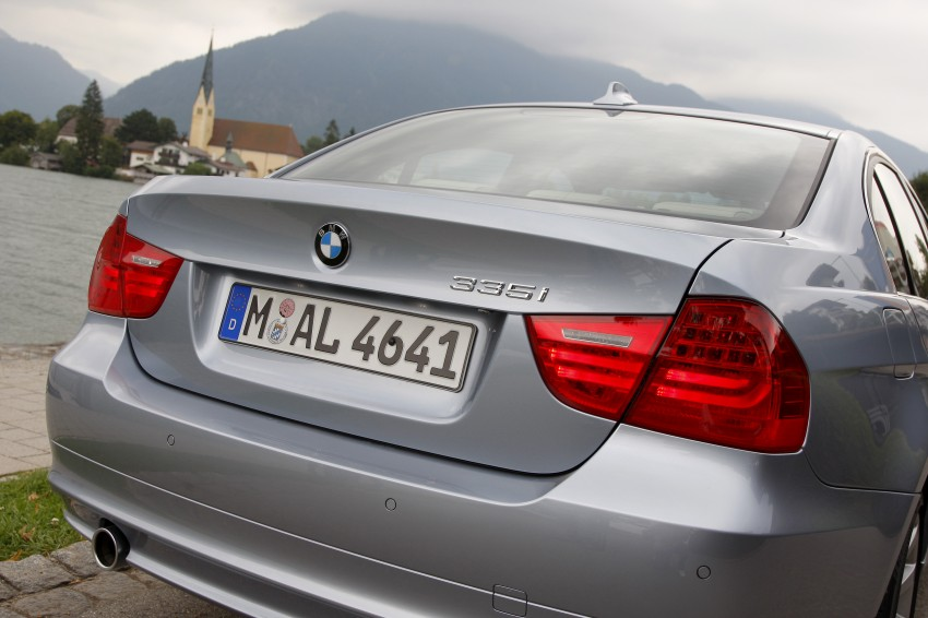 2009 BMW 335i and 330d LCI Review Image #273626