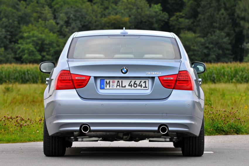 2009 BMW 335i and 330d LCI Review Image #273622