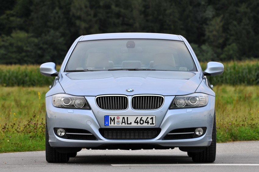 2009 BMW 335i and 330d LCI Review Image #273621
