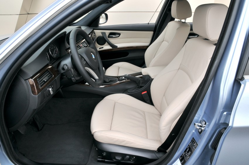 2009 BMW 335i and 330d LCI Review Image #273620