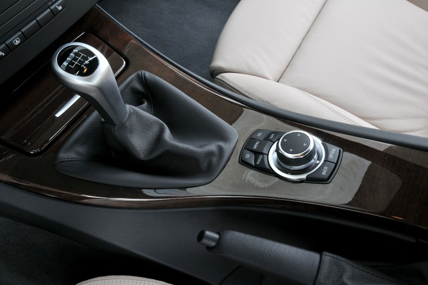 2009 BMW 335i and 330d LCI Review Image #273611
