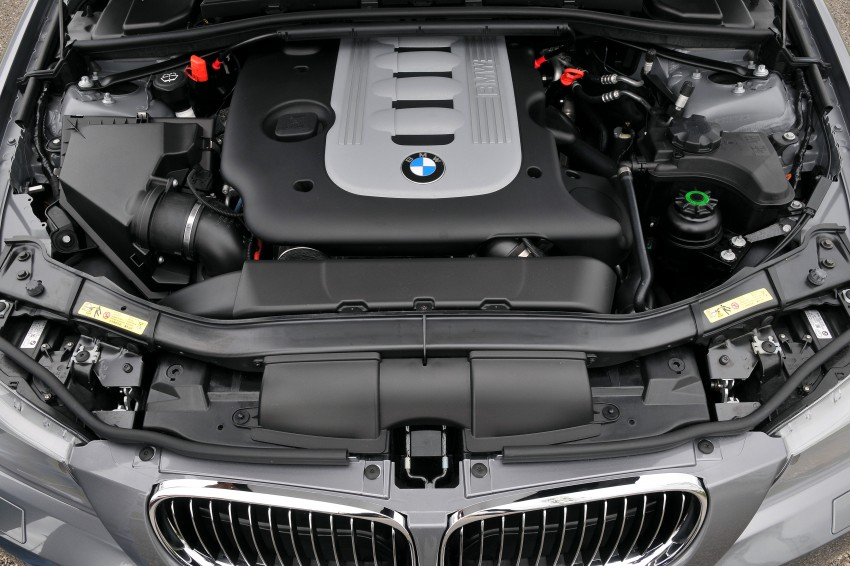 2009 BMW 335i and 330d LCI Review Image #273727