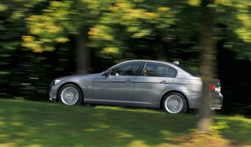 2009 BMW 335i and 330d LCI Review Image #273498