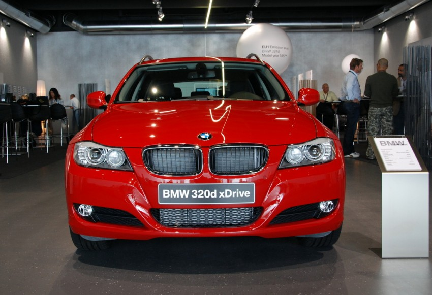 2009 BMW 335i and 330d LCI Review Image #273486