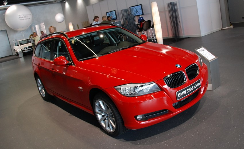 2009 BMW 335i and 330d LCI Review Image #273485