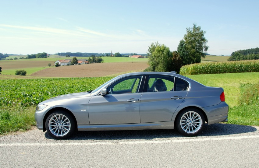 2009 BMW 335i and 330d LCI Review Image #273477