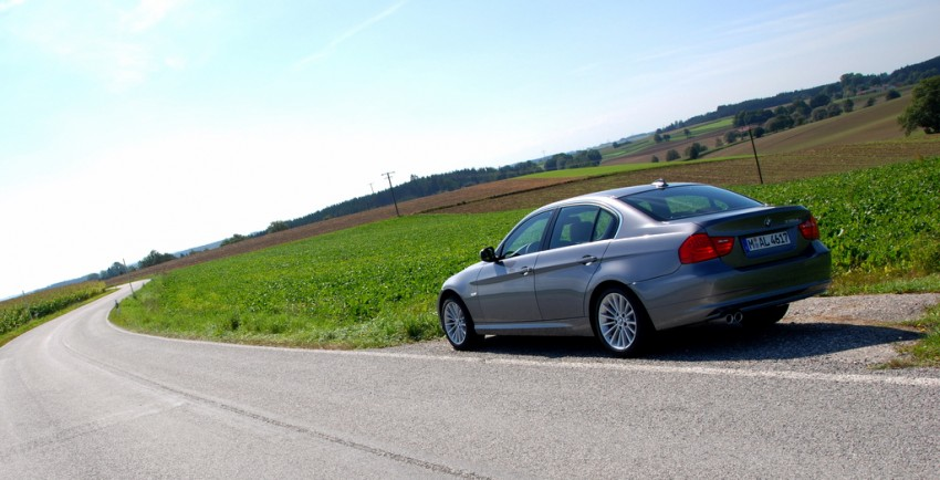 2009 BMW 335i and 330d LCI Review Image #273475