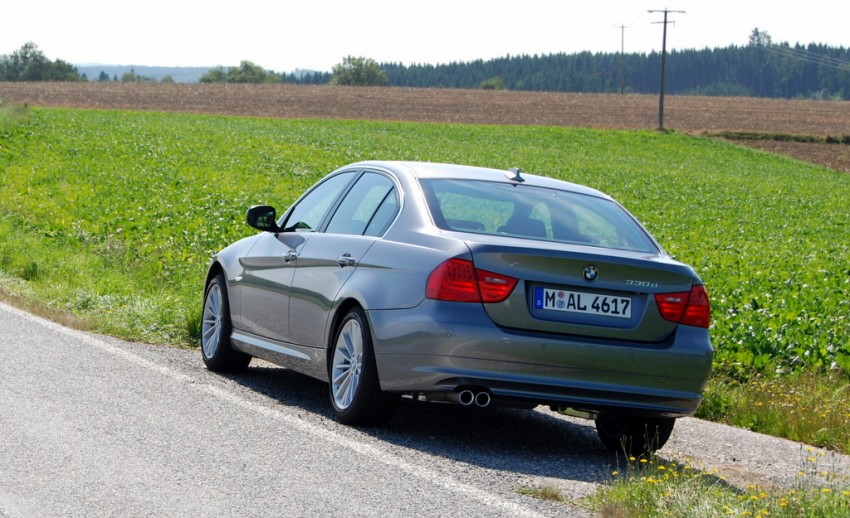 2009 BMW 335i and 330d LCI Review Image #273474