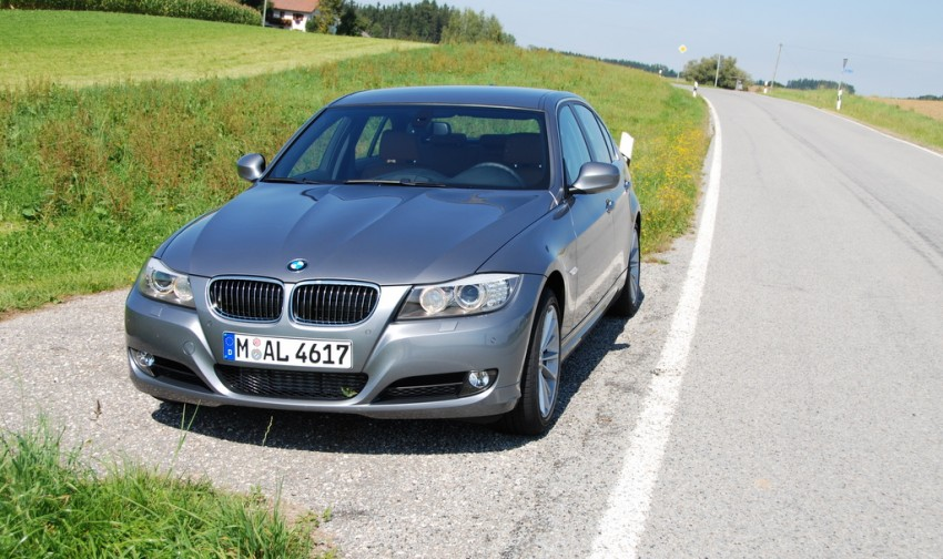 2009 BMW 335i and 330d LCI Review Image #273472
