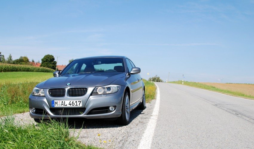 2009 BMW 335i and 330d LCI Review Image #273473