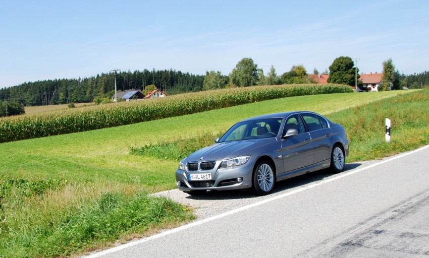 2009 BMW 335i and 330d LCI Review Image #273471
