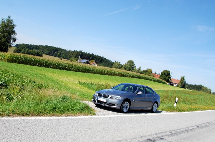 2009 BMW 335i and 330d LCI Review Image #273470