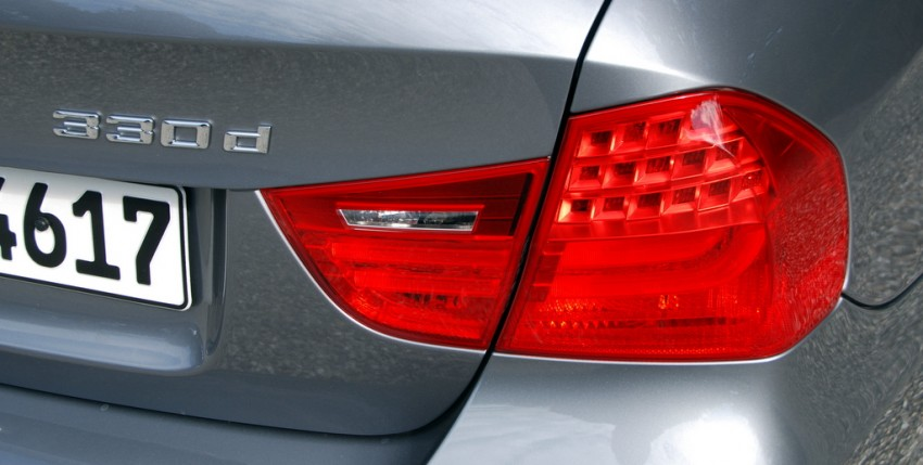 2009 BMW 335i and 330d LCI Review Image #273465