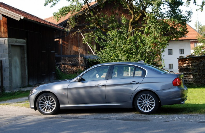 2009 BMW 335i and 330d LCI Review Image #273459