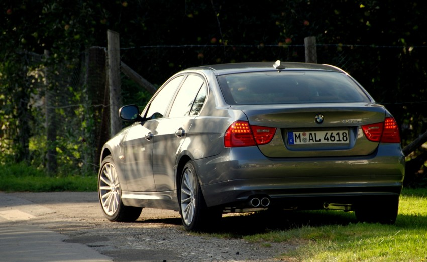 2009 BMW 335i and 330d LCI Review Image #273458