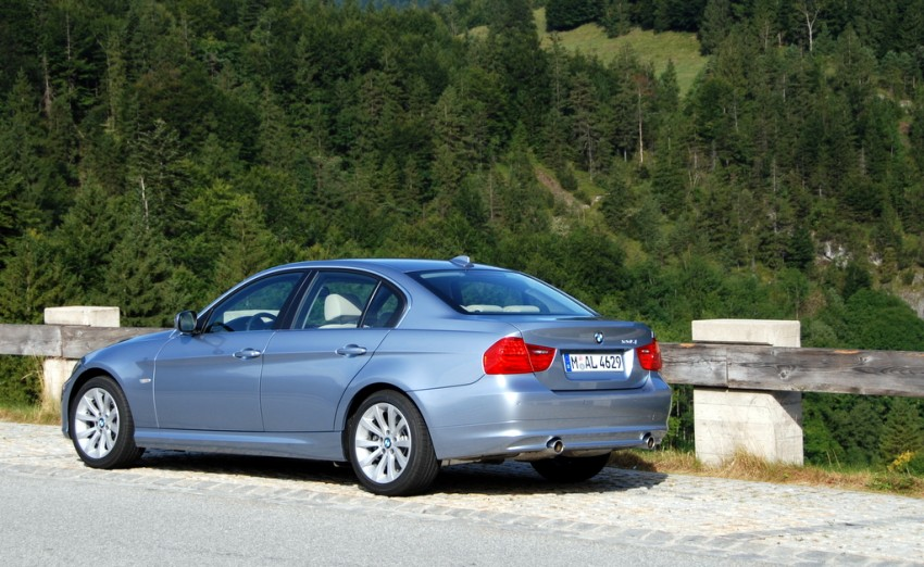 2009 BMW 335i and 330d LCI Review Image #273443