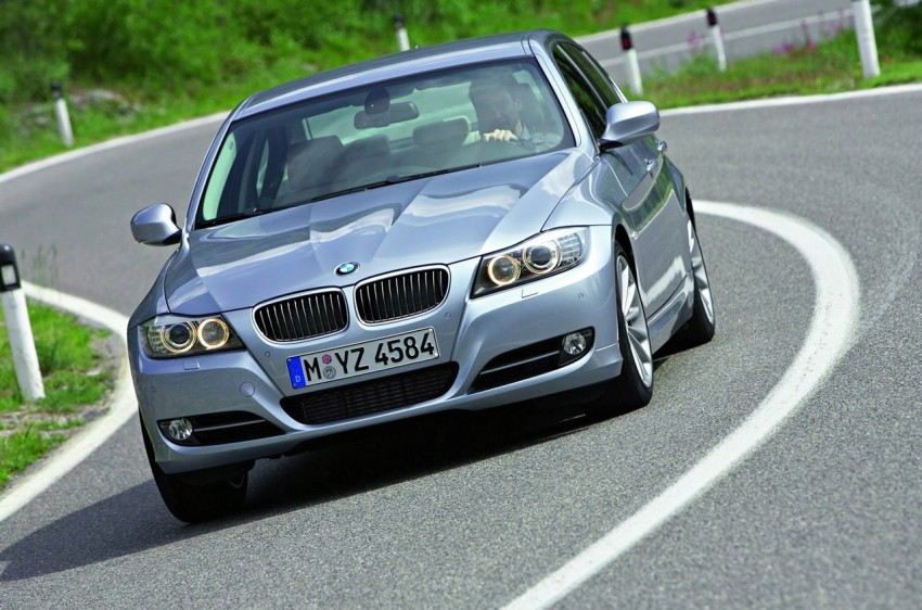 2009 BMW 335i and 330d LCI Review Image #273723