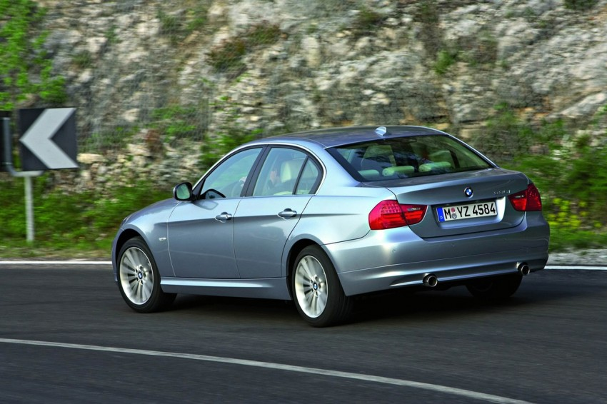 2009 BMW 335i and 330d LCI Review Image #273716