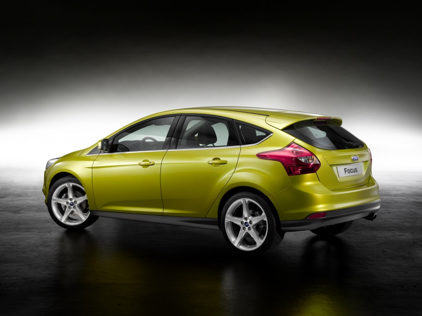 Ford Focus Wagon body joins hatch and sedan Image #414263