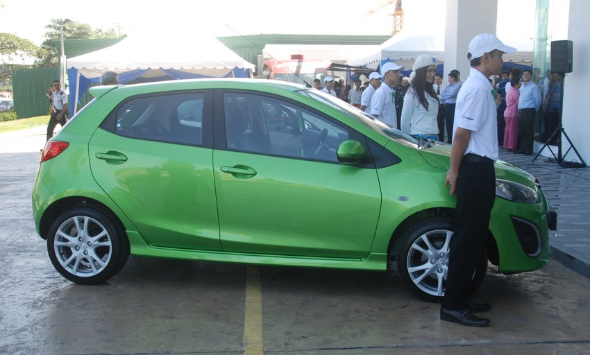Mazda 2 launched: sedan and hatchback, RM80K to RM85K! Image #183228