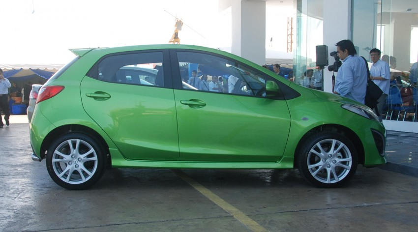 Mazda 2 launched: sedan and hatchback, RM80K to RM85K! Image #183239