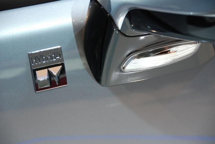 Peugeot 3008 HYbrid4, world's first diesel hybrid Image #161835