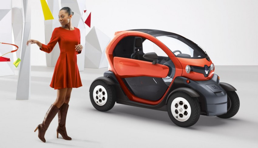 Renault Twizy – looking to bowl over the scooter crowd Image #246106