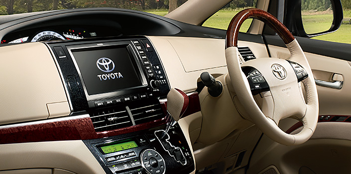 Toyota Estima MPV gets a new facelift for 2012 Image #106332