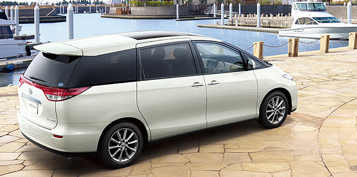 Toyota Estima MPV gets a new facelift for 2012 Paul Tan ...