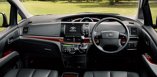 Toyota Estima Mpv Gets A New Facelift For 2012