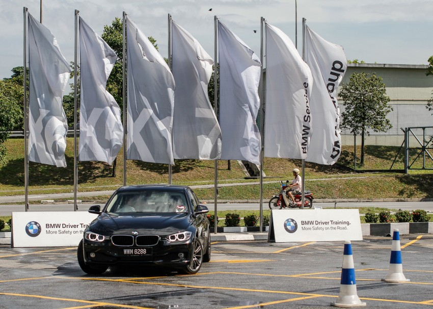 F30 BMW 3-Series 320d goes sideways at the Auto Bavaria Sg. Besi Dynamic Drive event Image #116478