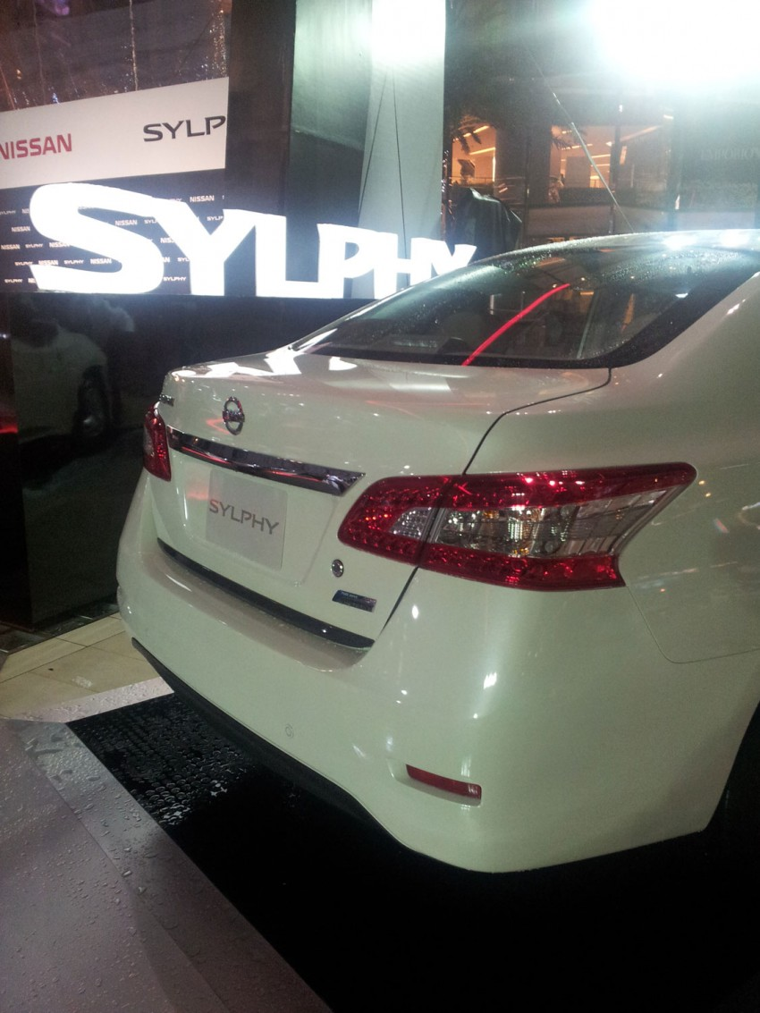 Nissan Sylphy launched in Thailand – new model gets improved 1.6, new 1.8, CVT; from 746,000 baht Image #128059