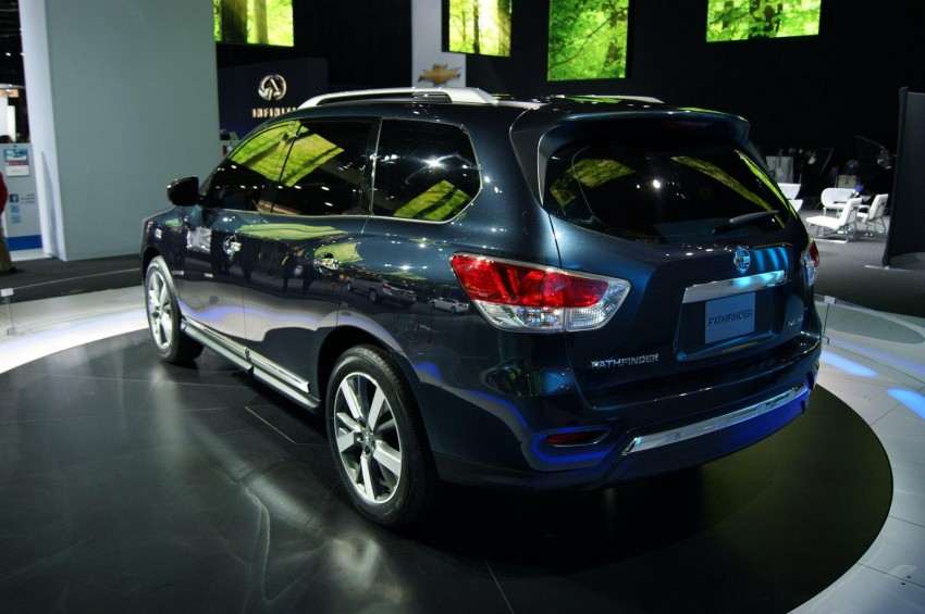 Production Nissan Pathfinder is identical to concept Image #122550