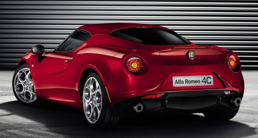 Alfa Romeo 4C – fresh images and details released Image #157139