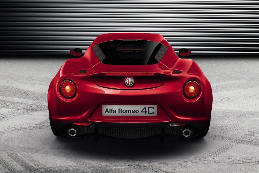 Alfa Romeo 4C – fresh images and details released Image #157141
