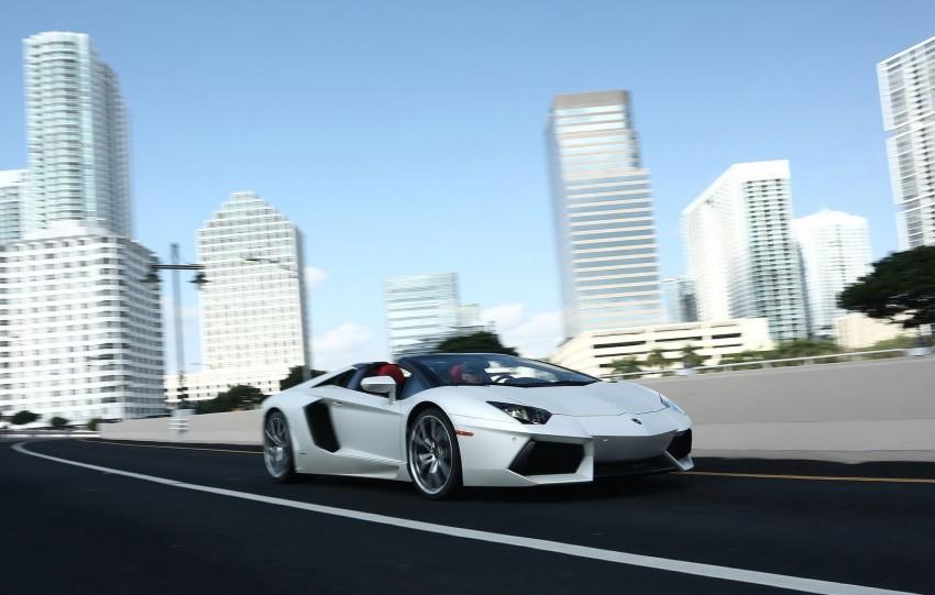 GALLERY: Lamborghini Aventador LP700-4 Roadster Image #157672