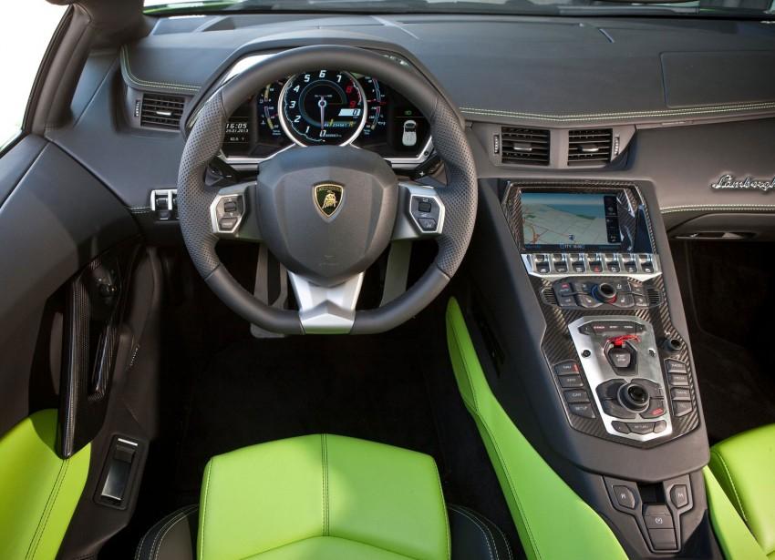 GALLERY: Lamborghini Aventador LP700-4 Roadster Image #157688