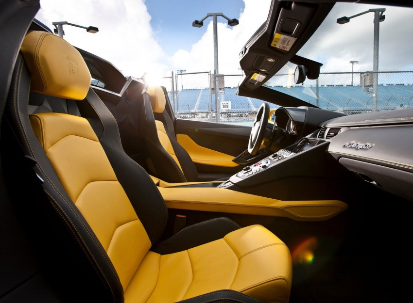 GALLERY: Lamborghini Aventador LP700-4 Roadster Image #157691