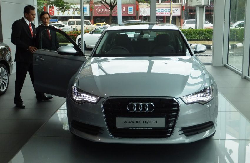 Audi A6 Hybrid officially launched – RM280k starting price, Comfort Key RM3k, reverse camera RM5k Image #157723