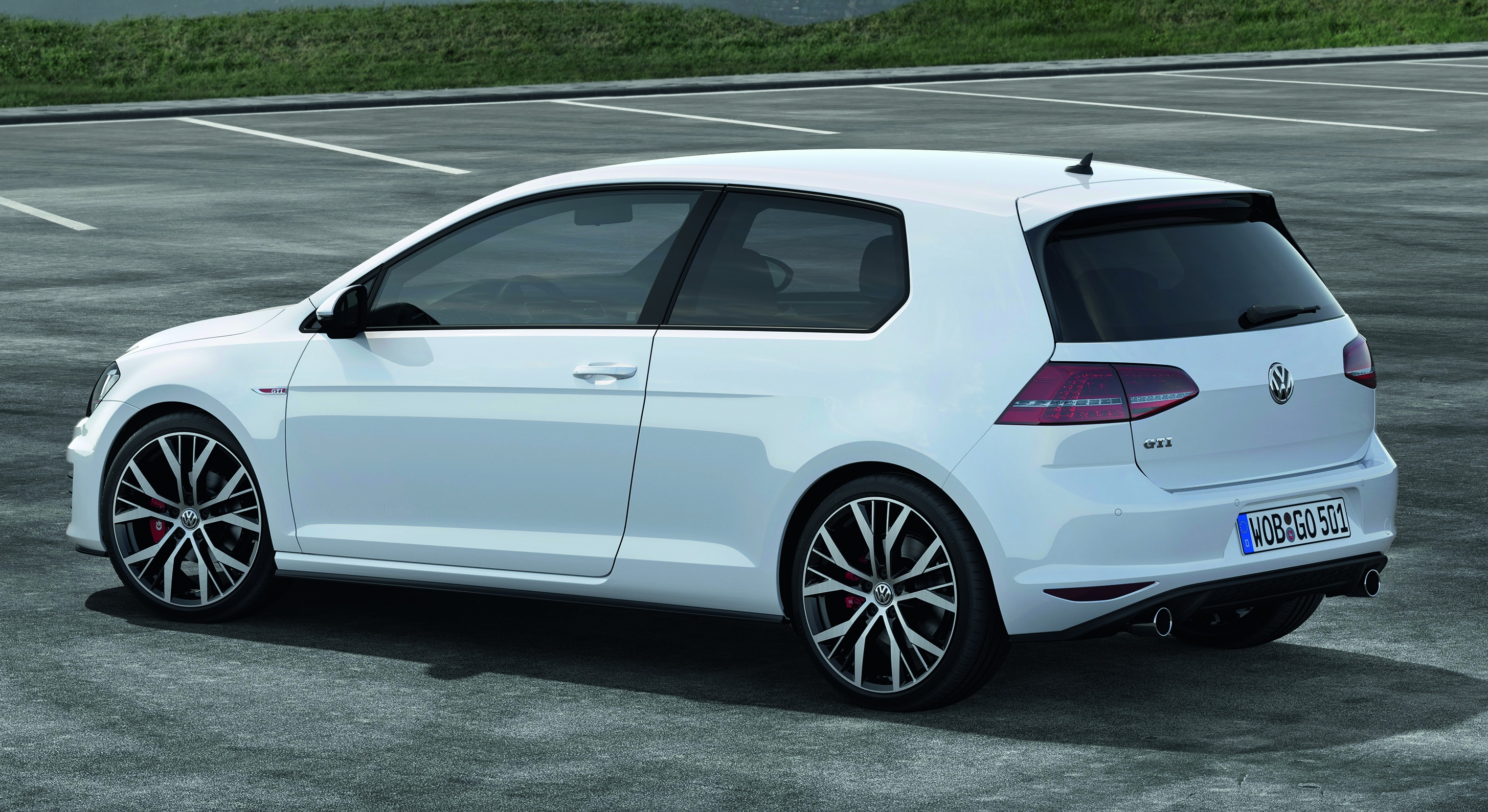 volkswagen golf gti mk7 to premiere in geneva image 157658. Black Bedroom Furniture Sets. Home Design Ideas