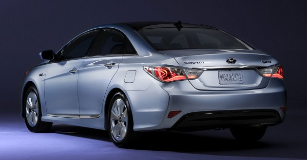 sonata-hybrid-rear