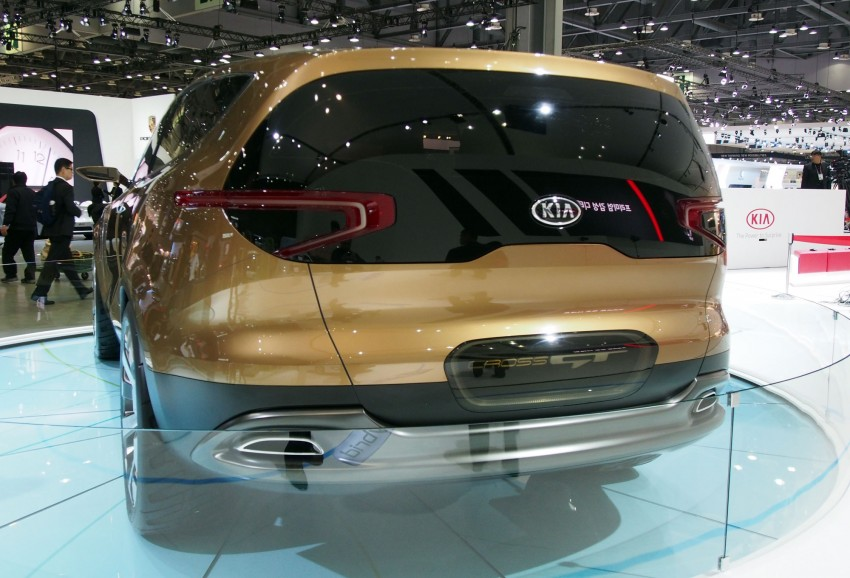 Kia Cross GT Concept – live images from Seoul 2013 Image #164689