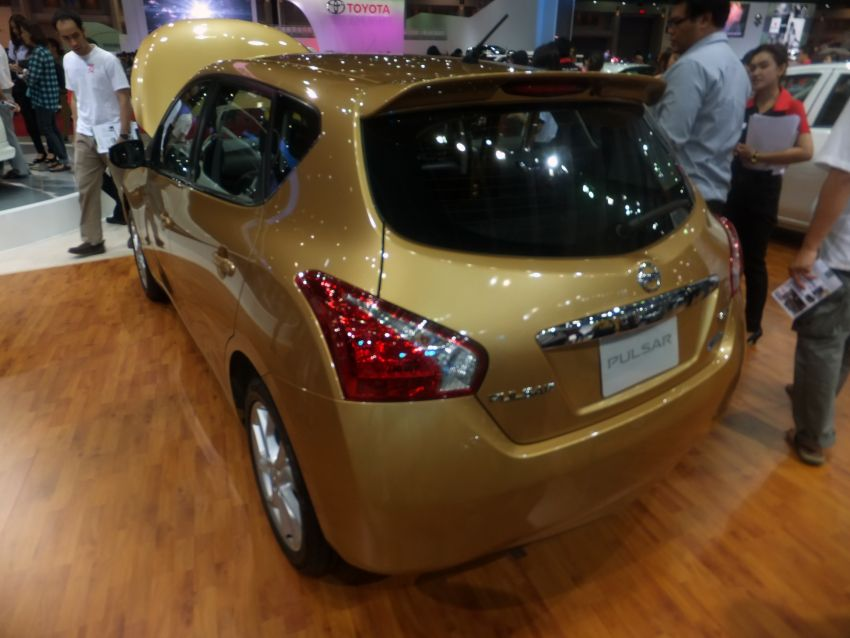 Nissan Pulsar five-door hatch on the Bangkok stand Image #164774