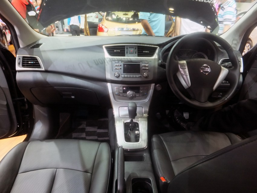 Nissan Pulsar five-door hatch on the Bangkok stand Image #164777