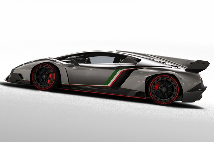 Wild Lamborghini Veneno is a 750 hp road-legal racer; limited to just three units, and they are all spoken for Image #159015