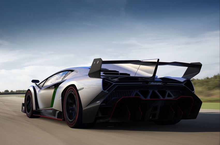 Wild Lamborghini Veneno is a 750 hp road-legal racer; limited to just three units, and they are all spoken for Image #159017