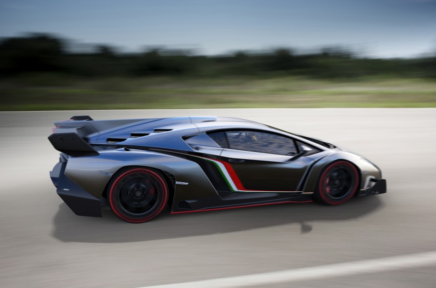 Wild Lamborghini Veneno is a 750 hp road-legal racer; limited to just three units, and they are all spoken for Image #159018