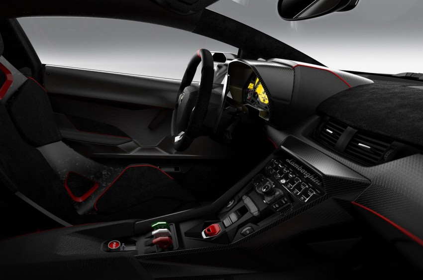Wild Lamborghini Veneno is a 750 hp road-legal racer; limited to just three units, and they are all spoken for Image #159020